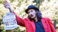 artista di strada - spettacolo comico - clown - giullare medievale